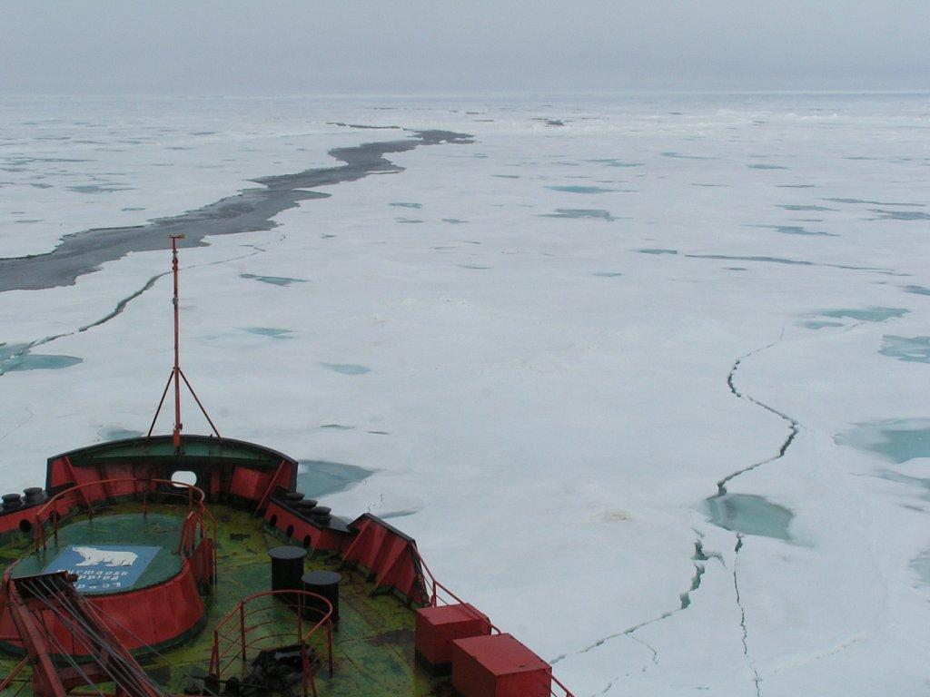 Ice-off-SS-bow-8-KM.JPG