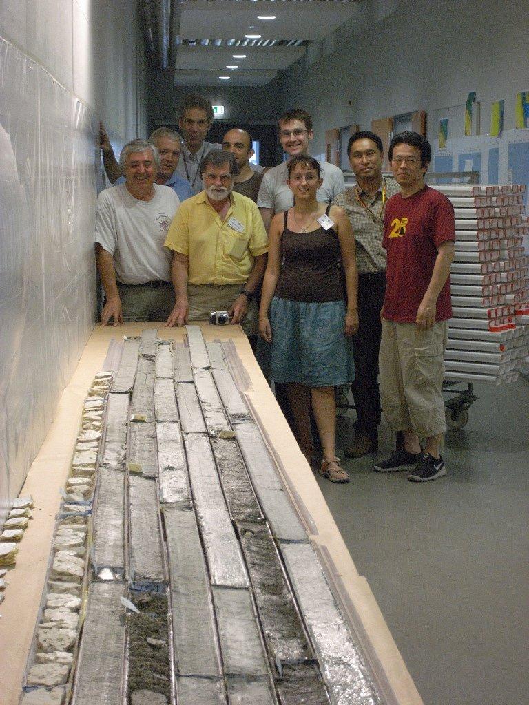 H-KAN-325-sedimentologists-R1033224.JPG