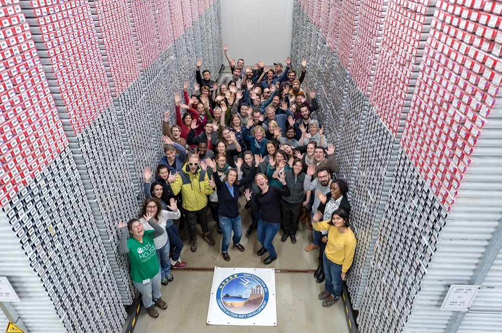 IODP OSP EXP 381 group picture